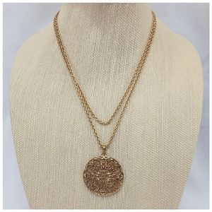 Goldtone Oversized Pendent On Rope Style Chain
